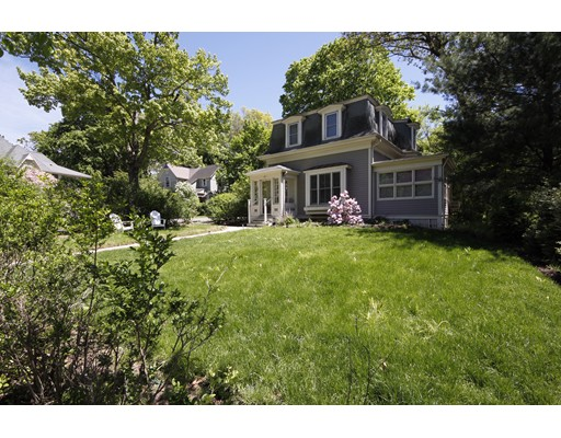 292 Lake Ave, Newton, MA 02461