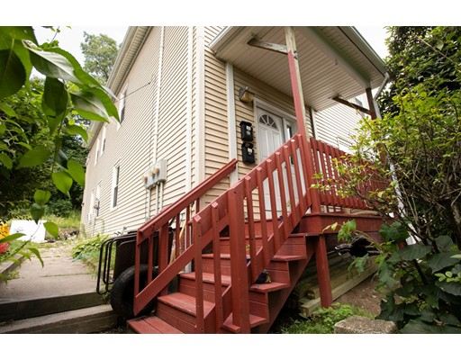2 Maxwell Ct, Worcester, MA 01607