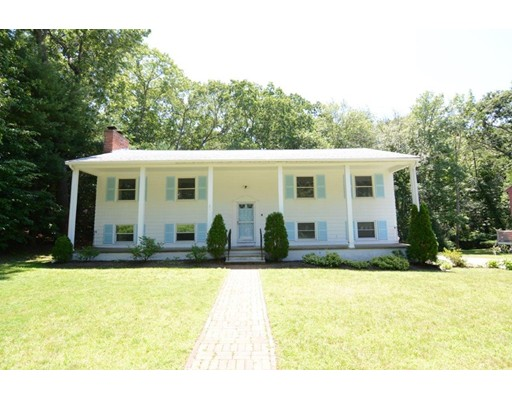 8 Independence Dr, Woburn, MA 01801