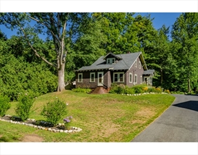 42 West Main St, Russell, MA 01071