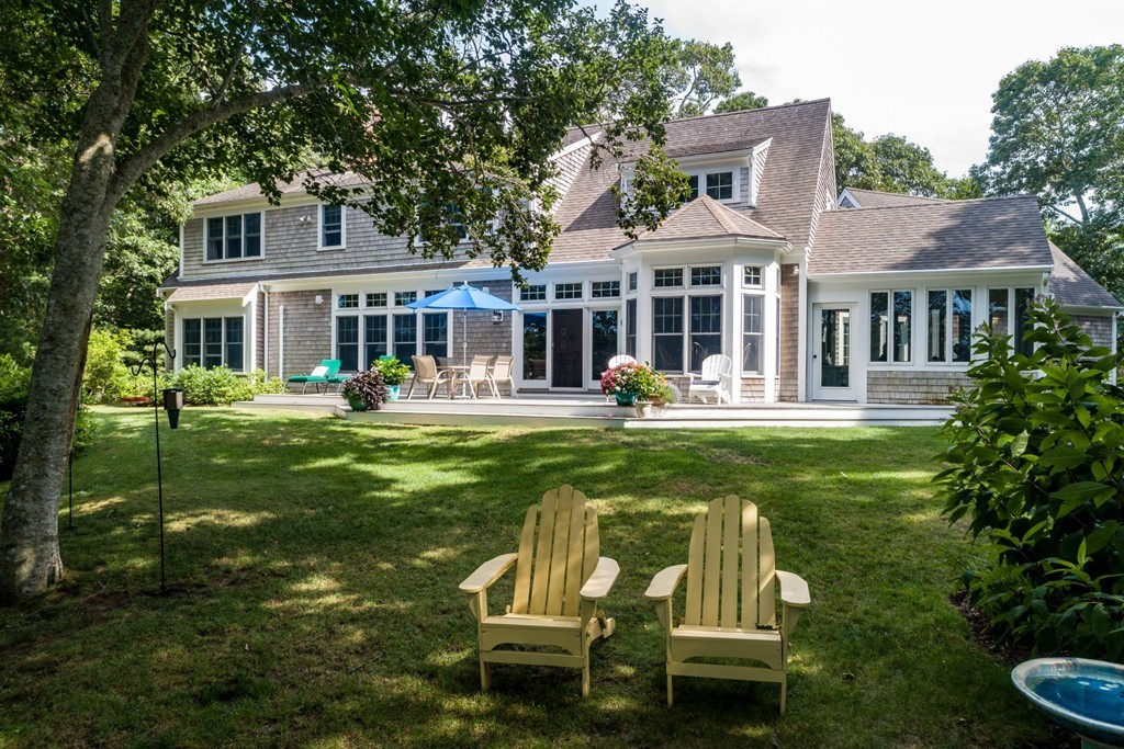 Photo of 264 Griffiths Pond Rd Brewster MA 02631