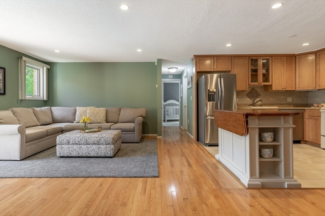 10 Bourbon St, Peabody, MA, 01960,  Home For Sale