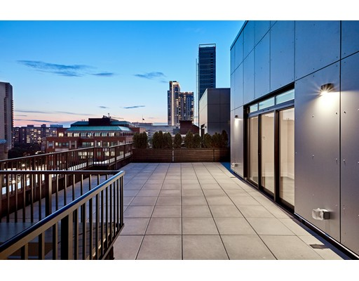 121 Portland #PH1 Floor 10