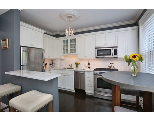 BEACON HILL CONDOMINIUMS | The Barry Group Real Estate