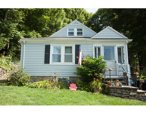 4 Willow St, Worcester, MA 01603