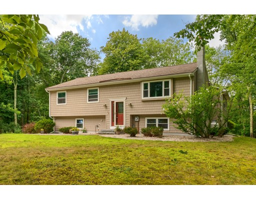 88 Lancaster Farm Rd, Salem, NH 03079