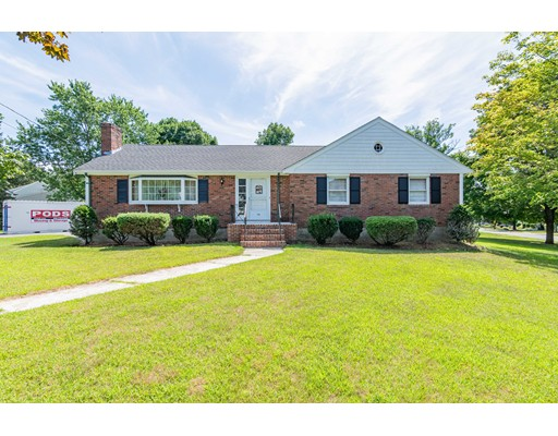 99 Forest St, Braintree, MA 02184