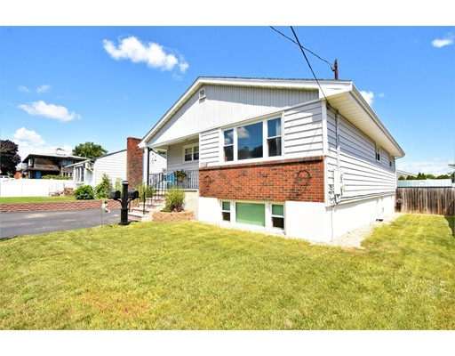 114 Oakwood Ave, Revere, MA 02151