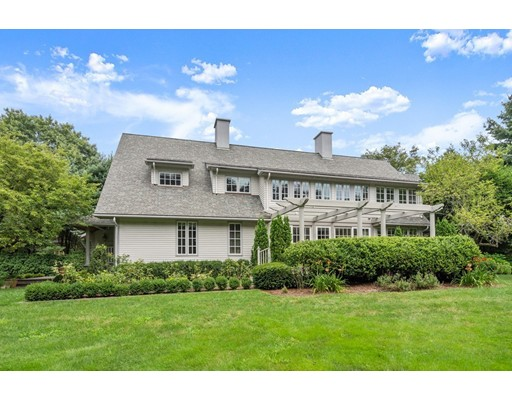11 Clovelly Rd, Newton, MA 02467