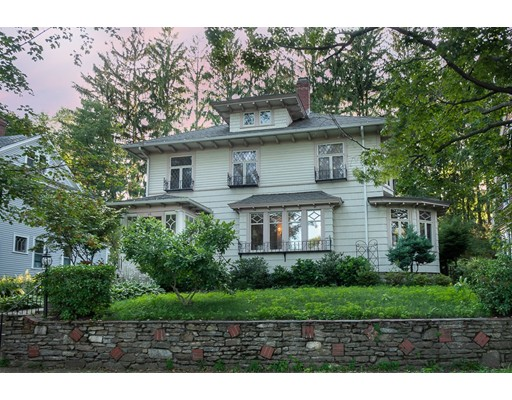 56 Howland Ter, Worcester, MA 01602