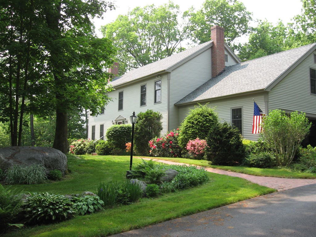 Photo of 12 Cullen Way Exeter NH 03833