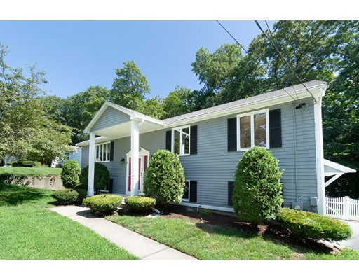 53 Castle Heights, Woonsocket, RI 02895