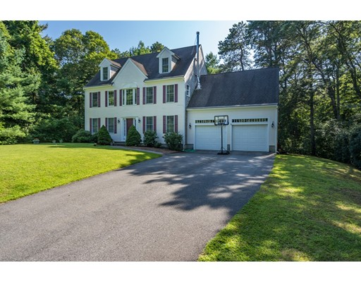 185 Oak St, Barnstable, MA 02668