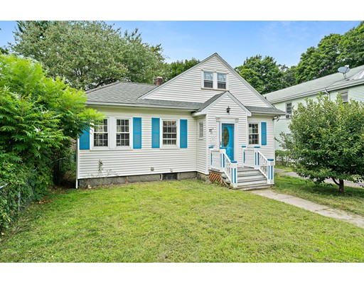 27 Oval Rd, Quincy, MA 02170