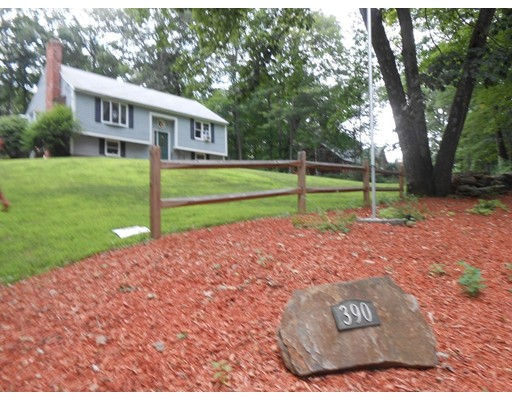 390 Brookfield Rd, Brimfield, MA 01010