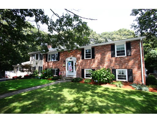 32 Worcester Road, Peabody, MA 01960