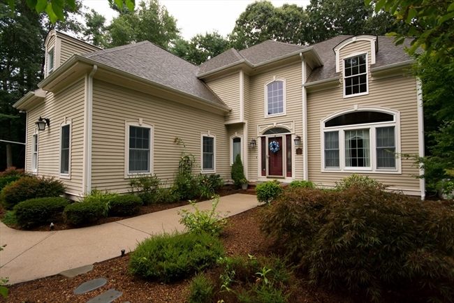 5 Tiger Lily Trail Rehoboth MA 02769