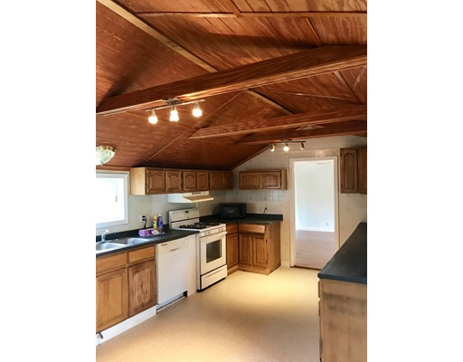 73 Burroughs Rd, North Reading, MA 02166