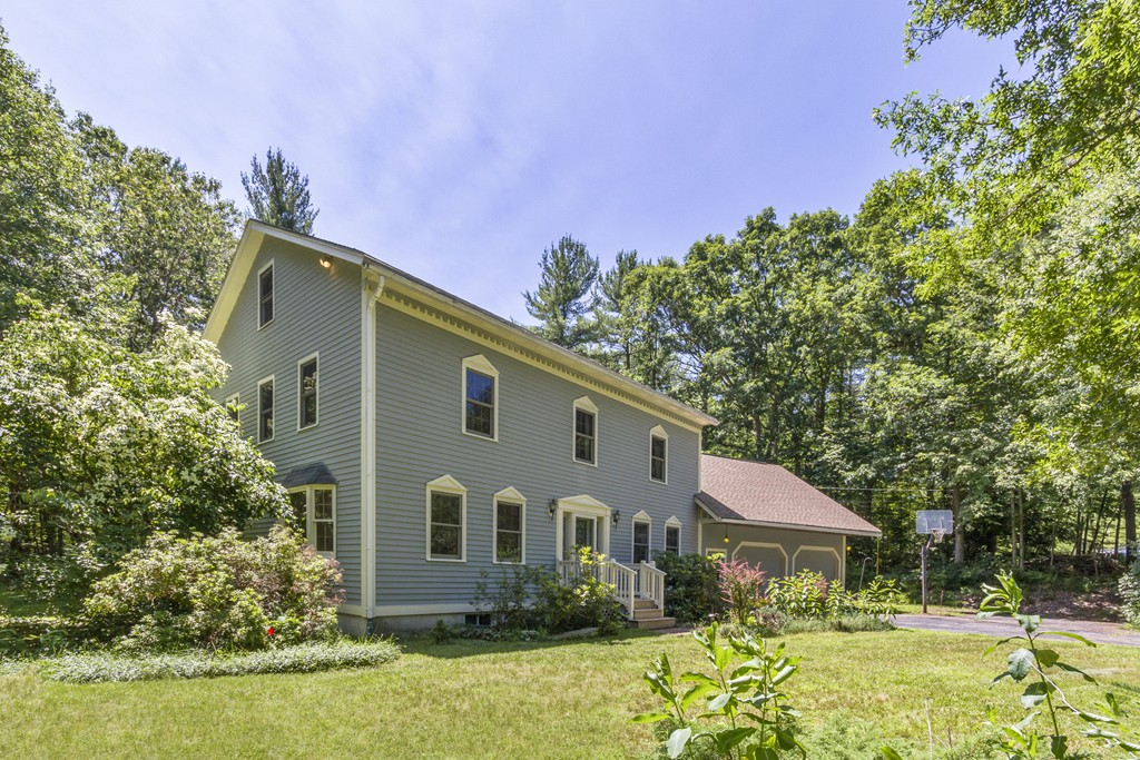 Photo of 4 Maxwell Dr Brookline NH 03033