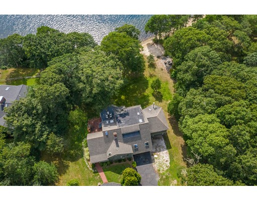 65 Hollidge Hill Ln, Barnstable, MA 02648