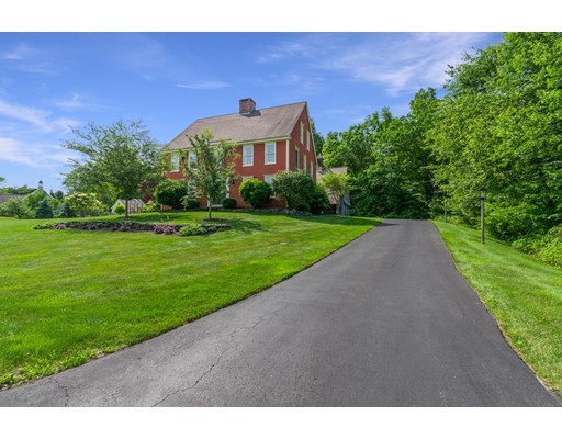 5 Schoolhouse Rd, Granby, CT 06035