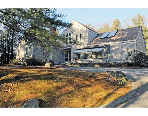 THIS IS A SHORT TERM RENTAL, THE OWNER WILL CONSIDER A SHORTER RENTAL PERIOD OTHER THAN 6 MONTHS, BUT THE RENT WOULD BE HIGHER.  The house is a Acorn Style Contemporary and is BEAUTIFUL!!!  Open floor plan, first floor or second floor master suite, convient to West Concord the Thoreau Club, shopping and commuter routes.  Truly a great opportunity.