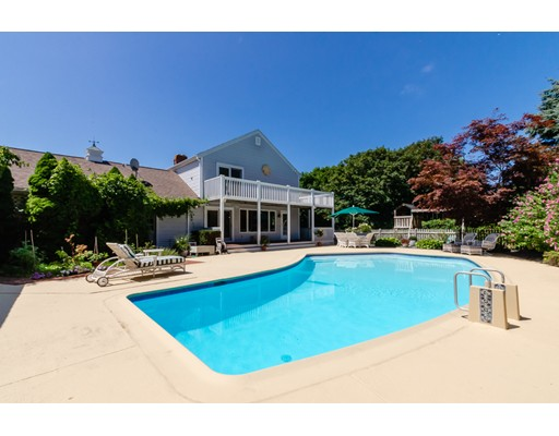 84 Swallow Hill Dr, Barnstable, MA 02630