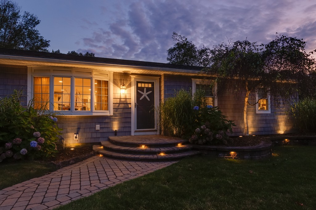 Superb East Longmeadow Ma Real Estate For Sale Homes Condos Home Interior And Landscaping Palasignezvosmurscom