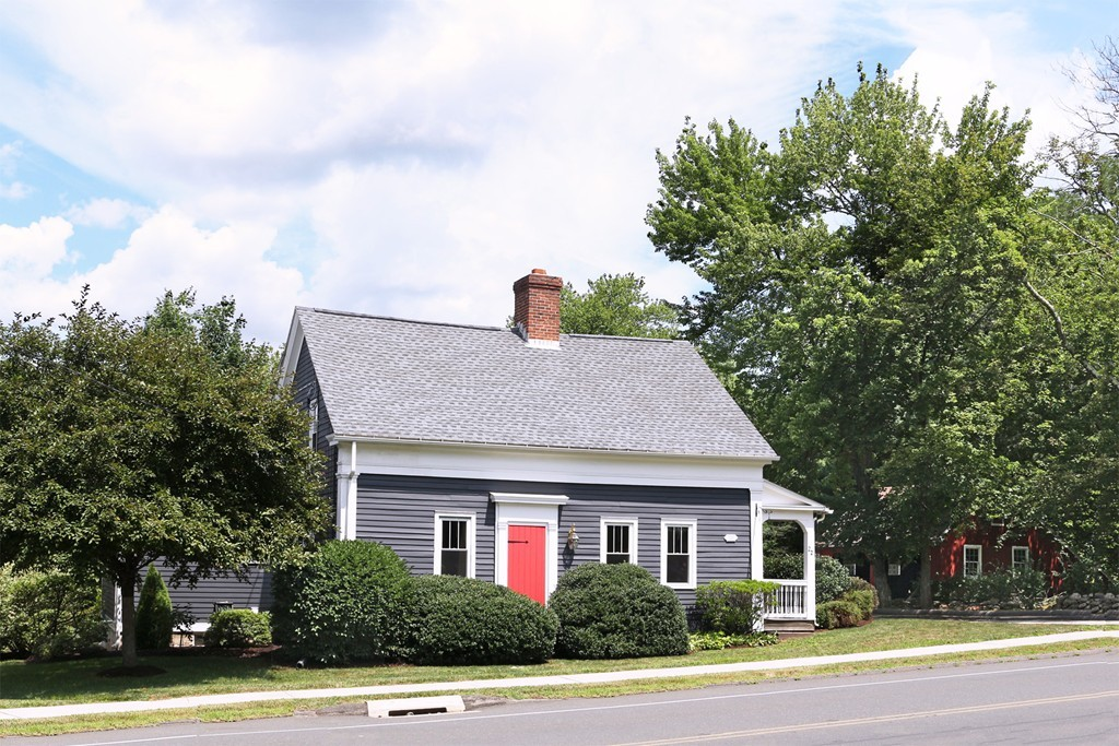 Pleasing East Longmeadow Ma Real Estate For Sale Homes Condos Home Interior And Landscaping Palasignezvosmurscom