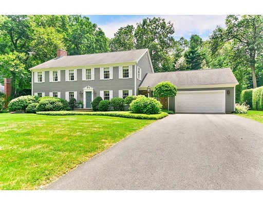 8 Blueberry Bnd, South Hadley, MA 01075