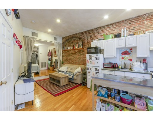 392 Commercial St, Boston, MA 02113