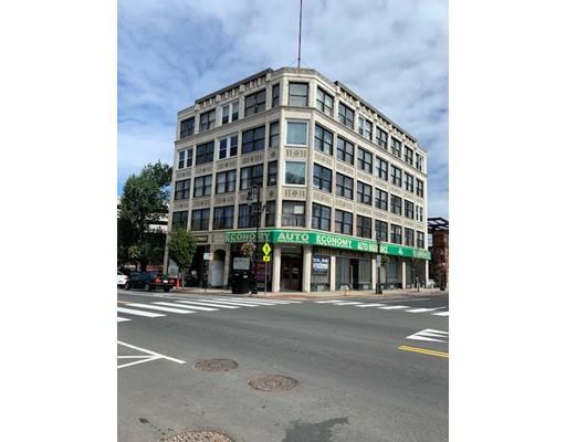 1691 Main St 2F, Springfield, MA 01103