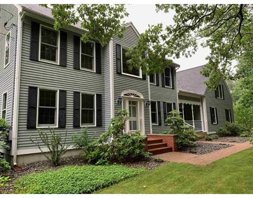 114 Castle Hill Rd, Windham, NH 03087