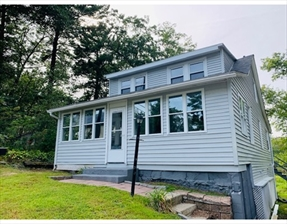 86 Birch Island Rd, Webster, MA 01570