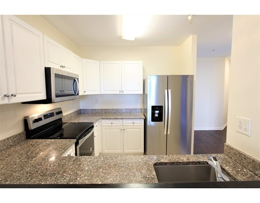 Click for 1 Cityview Ln #205, Quincy, MA slideshow