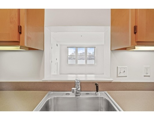 113 Sumner St #42, Boston, MA 02128