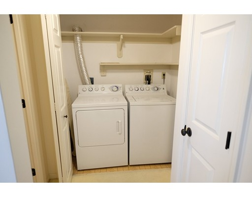 40 Greenleaf St #604, Quincy, MA 02169