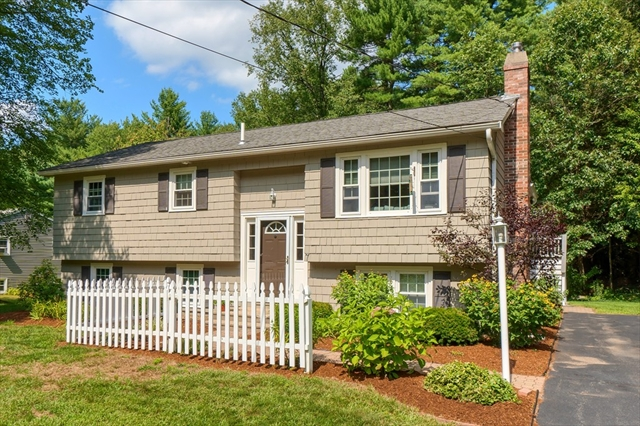 7 Hickory Drive Townsend MA 01469
