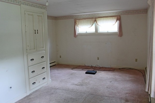 84 Ferrante Avenue, Greenfield, MA: $139,000