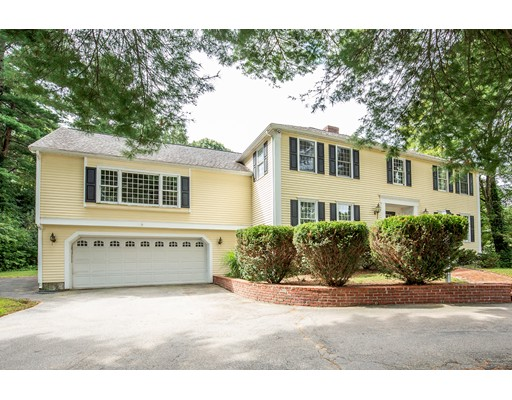23 Bubbling Brook Rd, Walpole, MA 02081