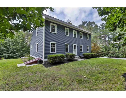 8 Greenwood Road, Weare, NH 03281