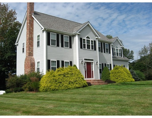 6 Fox Run, Sturbridge, MA 01566