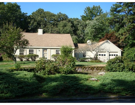 41 Bayberry Hill Rd, Attleboro, MA 02703