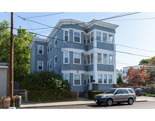44 Clifton St, Lawrence, MA 01843