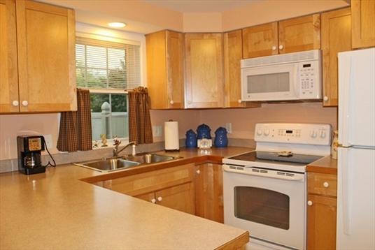 5 Emily Lane, Greenfield, MA: $209,000