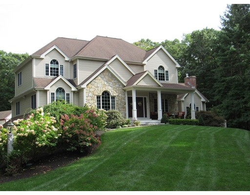 32 Indian Ridge, Bridgewater, MA 02324