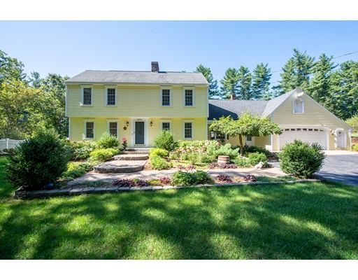 237 Forest St, Dunstable, MA 01827