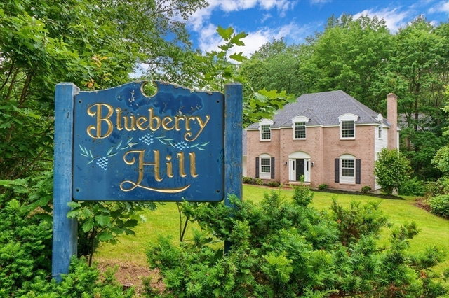 2 Blueberry Hill Lane North Andover MA 01845