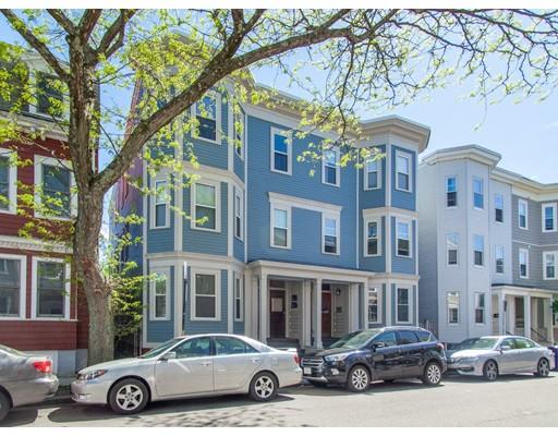 641-643 E 7th St #1, Boston, MA 02127