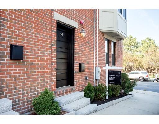 44 Sackville St, Boston, MA 02129